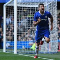 Costa returns Chelsea to top of league