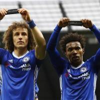 Clinical Chelsea beats title rival City