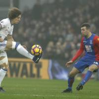 Chelsea sinks Crystal Palace