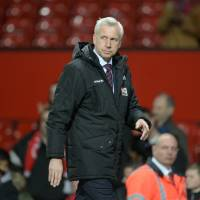 Crystal Palace fires manager Pardew as struggles continue