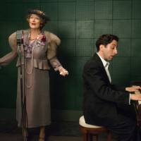 American idol: Meryl Streep plays the titular character in 'Florence Foster Jenkins' alongside Simon Helberg, who plays Jenkins' pianist, Cosme McMoon. | © 2016 PATHE PRODUCTIONS LIMITED, ALL RIGHTS RESERVED