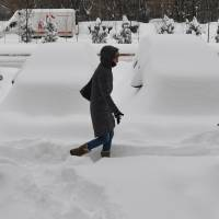 Europe: heavy snow brings more misery, deaths, travel delays