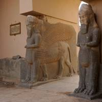 Iraq leaves ancient site of Nimrud to looters after its destruction by Islamic State