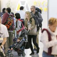 Foreign passengers at Narita airport exceed Japanese for first time in 2016