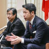 Niigata Gov. Ryuichi Yoneyama (right) holds his first talks with Tepco executives (not in photo) since assuming office in October at his Niigata Prefectural Government office on Thursday. | KYODO