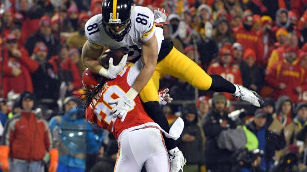 Steelers hold off Chiefs