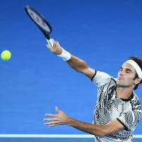 Federer outlasts Wawrinka in five-set thriller, becomes oldest Grand Slam finalist since 1974