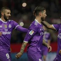 Real Madrid earns draw with Sevilla, breaks Spanish mark of 40 consecutive unbeaten games
