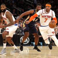 Davis drops in 40 as Pelicans rout Knicks
