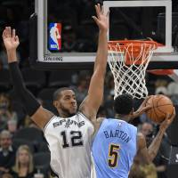 Spurs lose Gasol to broken finger, still down Nuggets