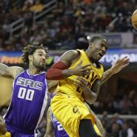 Kings heap further misery on Cavs