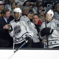 Simmonds scores winner in NHL All-Star Game