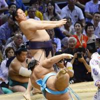 Former komusubi Tokitenku, who competed in 63 grand sumo tournaments, died on Tuesday. He was 37. | KYODO