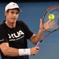 Murray looks to capture first Australian Open title