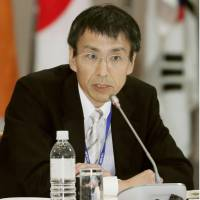 Foreign Ministry Deputy Director General Keiya Iida speaks during a meeting of the Regional Comprehensive Economic Partnership in Kobe on Monday. | KYODO