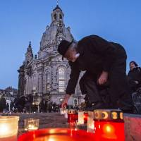 Dresden marks 1945 Allied firebombing with human peace chain