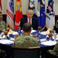 Trump visits Centcom, signals tough tack toward Islamic State