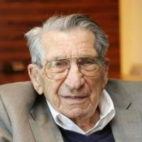 Bataan Death March survivor Lester Tenney dies in California aged 96