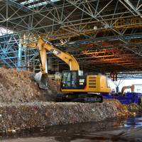 Incombustible trash is processed at the Chubo Incombustible Waste Processing Center in Tokyo. | TIM HORNYAK