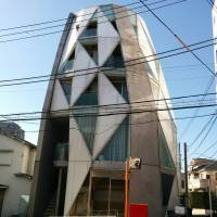 Conveniently small: An Early Age apartment building in Ebisu offers apartments for those who prefer to live closer to their work than in large homes.   PHILIP BRASOR
