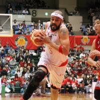 Chiba Jets forward Michael Parker was a dominating presence at both ends of the floor on Sunday against the Nagoya Diamond Dolphins. The Jets won 86-80.   B. LEAGUE