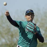 Iwakuma ready to shoulder load again for Mariners