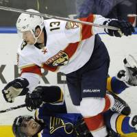Panthers edge Blues, complete 5-0 road trip