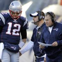 Former coaches, quarterbacks awed by Patriots' success with Belichick, Brady