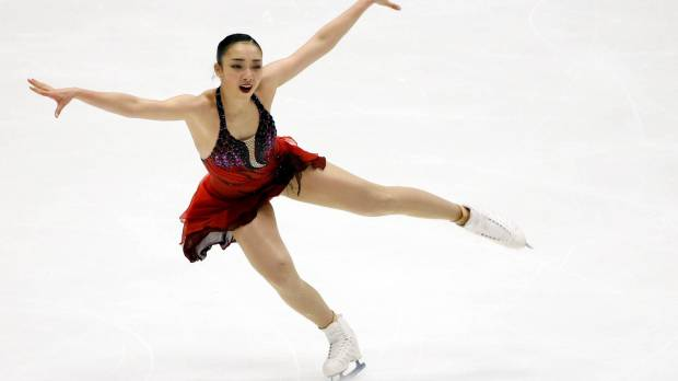 Hongo recovers from fall, places second in women's short program