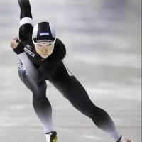 Nao Kodaira competes at the World Sprint Speed Skating Championships in Calgary on Saturday. | KYODO