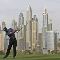 Tiger shoots 5-over 77 in first round at Dubai Desert Classic
