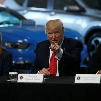 Trump, EPA ally Pruitt look to curb Obama-era vehicle fuel standards