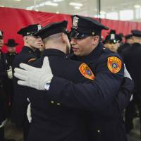 Double-amputee U.S. Marine veteran joins New York police department
