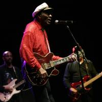 Rock legend Chuck Berry performs at a concert held in Santa Cruz de Tenerife in 2008. Berry died Saturday at the age of 90, police in Missouri said. | AFP-JIJI