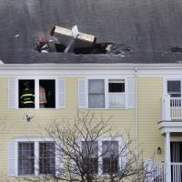 NTSB probes deadly crash of ex-mayor's home-built plane into building