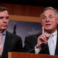 Senate intel chief, unlike House counterpart, vows Russia probe cooperation