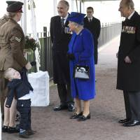 Two-year-old throws tantrum during encounter with Queen Elizabeth