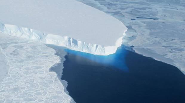 Sea ice cover at both poles at lowest point of 38-year NASA satellite records