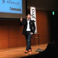 Speechwriter Yosuke Kageyama gives a lecture about how to deliver a good speech in Tokyo in March 2013. | COMMUNIS CO.