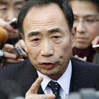 Abe denies claims of Moritomo donation, says he 'has no personal' ties to embattled principal