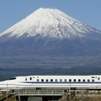 The Nozomi shinkansen, celebrating its 25th anniversary, connects Tokyo and Shin-Osaka 2 hours and 22 minutes. | KYODO