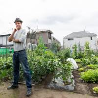 New Zealander is on a mission to turn Japan green, one balcony at a time