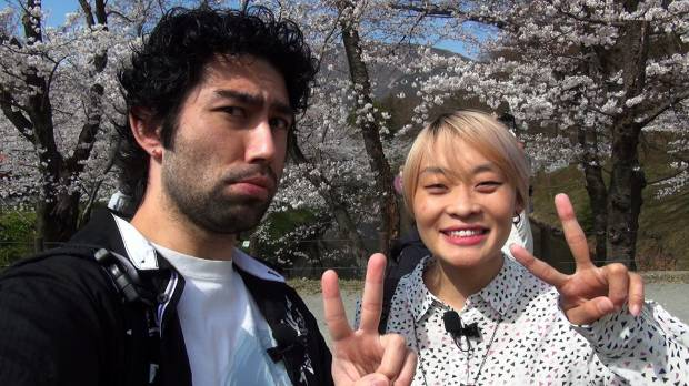 Brazilian YouTubers Prit and Lohgann are channeling their daily bread in Japan