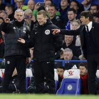 Conte, Mourinho feud in tight F.A. Cup match