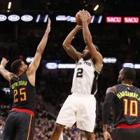 Spurs equal Warriors for top record with win