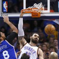 Westbrook, Thunder trample over 76ers