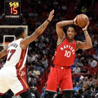 DeRozan's 40 points power Raptors past Heat