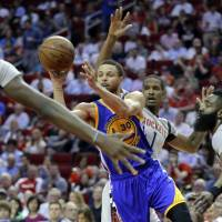 Warriors beat Rockets for 60th win