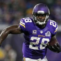 Free agent Peterson visits Seahawks