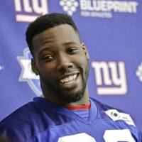 Giants re-sign Pierre-Paul